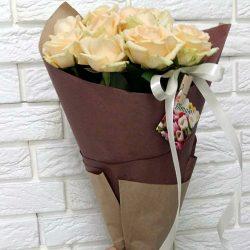 Фото товару 11 кремових троянд