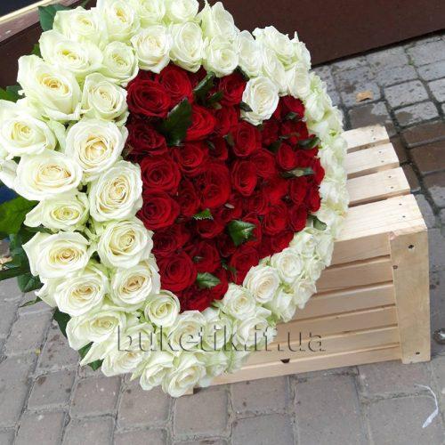 Фото товару 121 троянда серцем