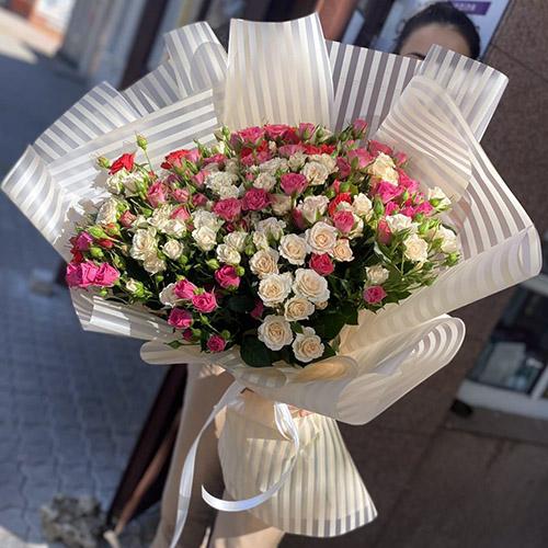букет 33 кущові троянди в Івано-Франківську фото