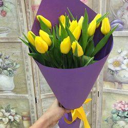 букет 15 жовтих тюльпанів
