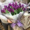 букет 25 фіолетових тюльпанів