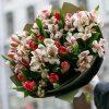 """Букет """"Ніжна весна"""" тюльпани, альстромерії"""