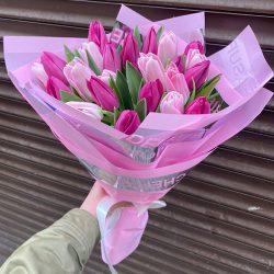 """25 тюльпанів """"Леді в рожевому"""" фото"""