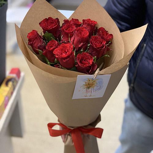 11 червоних троянд фото букета