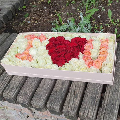 "101 троянда ""I LOVE YOU"" в коробці фото"
