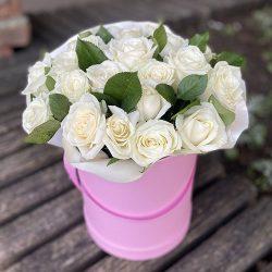 букет 33 білі троянди в коробці