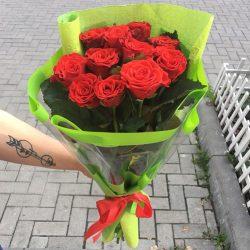 букет 11 червоних троянд
