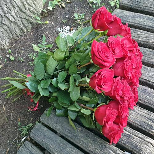 21 червона троянда в Івано-Франківську фото