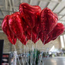 Повітряні кульки у формі серця фото